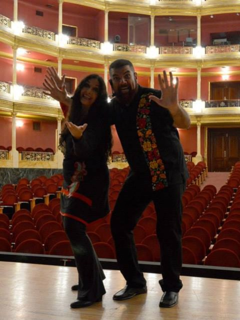 Marcela Sabio y Rubén Corbét en Teatro Degollado antes de espectáculo